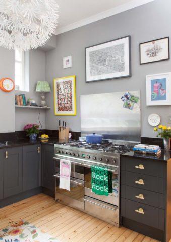 rinnovare la cucina utilizzando il colore e dettagli sulle pareti