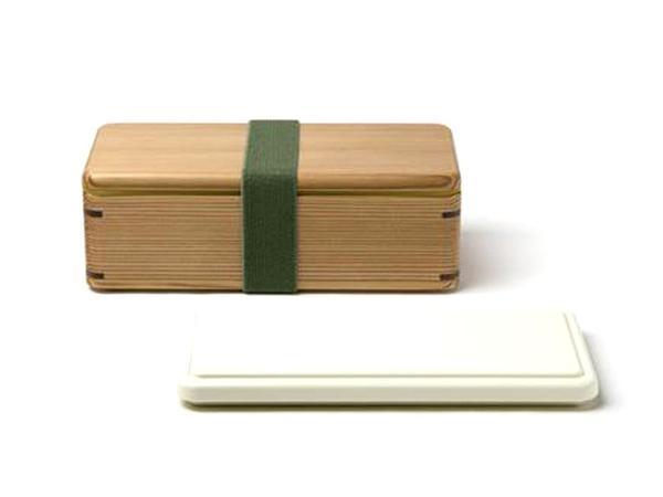 porta-pranzo di legno dalle linee essenziali