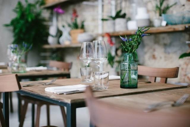 locali di design - concept restaurant La Menagere: dettaglio della tavola