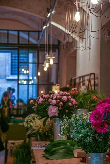 scorcio del negozio di fiori Le Menagere Firenze