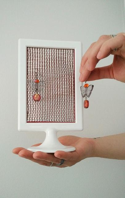 idea diy: cornice porta-orecchini