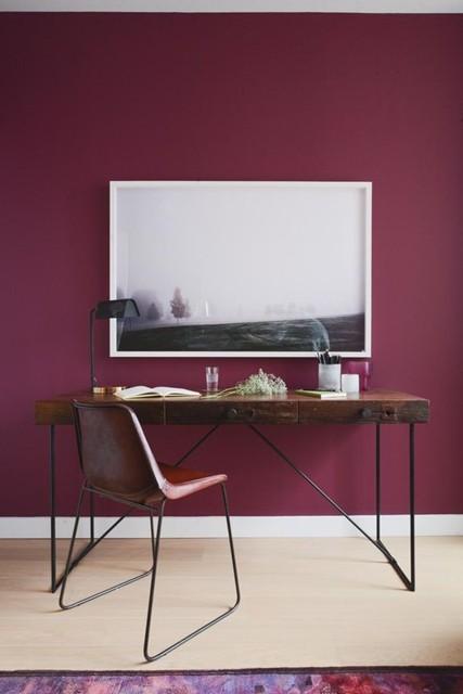 Colore delle pareti: bordeaux per i mobili in stile classico