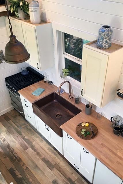 dettagli ramati cucina piccola casa