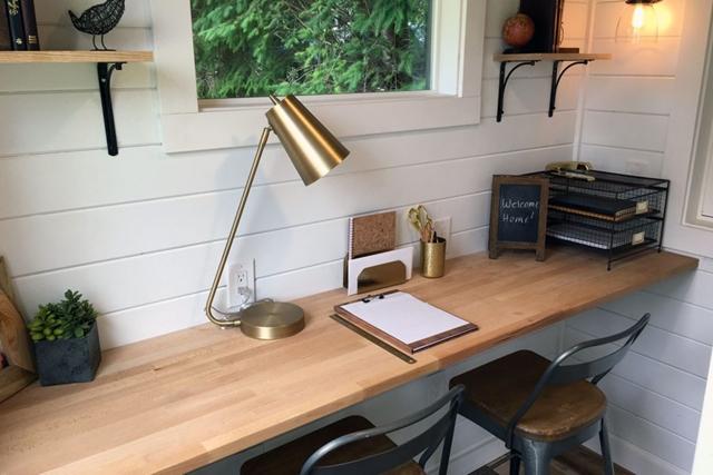 scrivania home office piccola casa