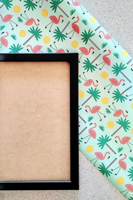 cornice-con-carta-regalo-fenicotteri-rosa
