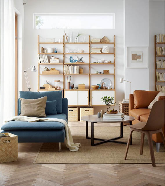 soggiorno con chaise long blu del nuovo catalogo ikea 2018