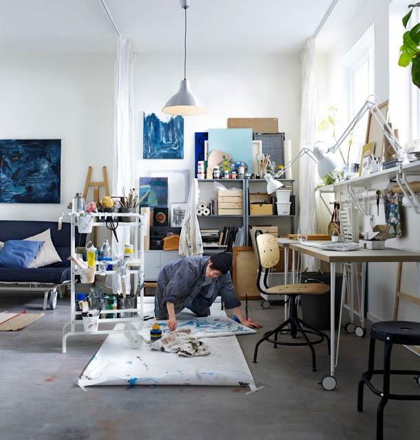 il living con un angolo studio dal nuovo catalogo ikea 2018