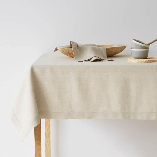 tovaglia in lino color ecru di zara per la tavola autunnale