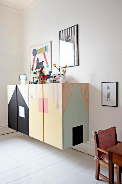mobile ivar ikea personalizzato con casette dipinte