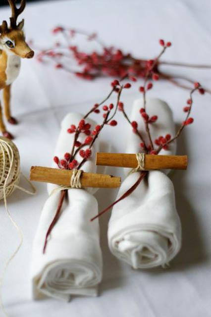 idea decoro per tovagliolo natalizio con bacche
