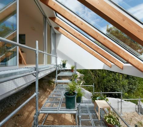 giardino a terrazze di una moderna casa giapponese