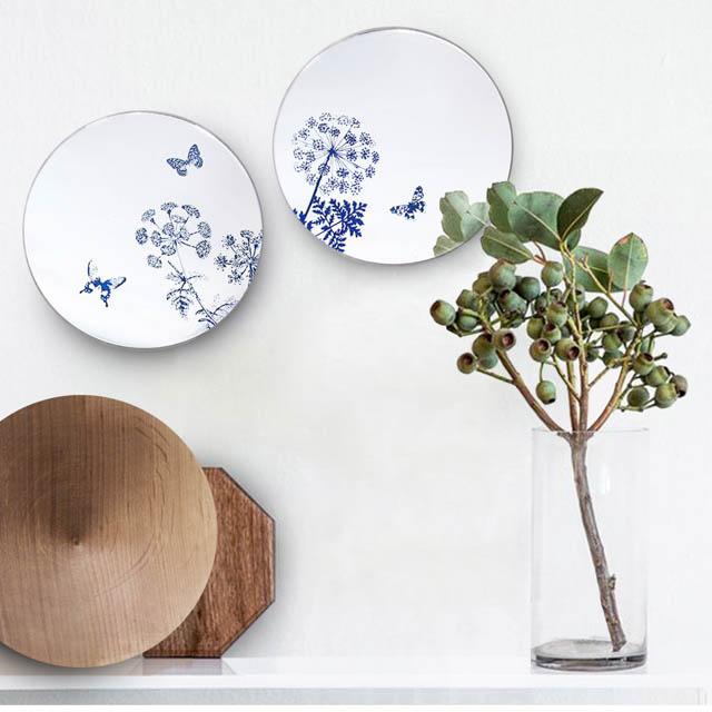 fiori e farfalle su specchi decorativi da parete