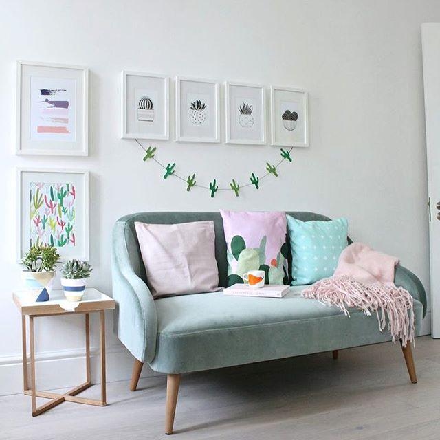 originale divano due posti in velluto color menta