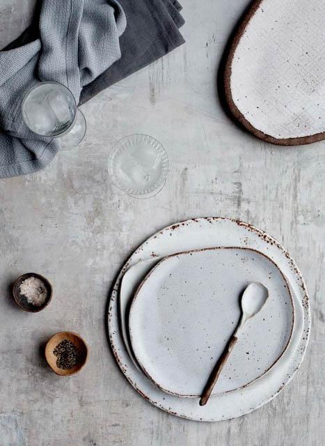 piatti artigianali imperfetti stile wabi sabi