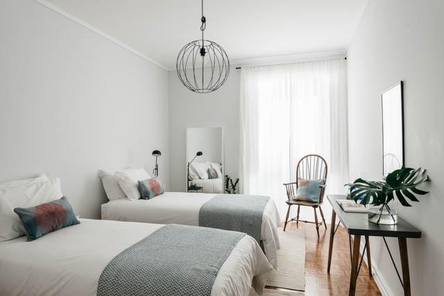 camera per gli ospiti con due letti