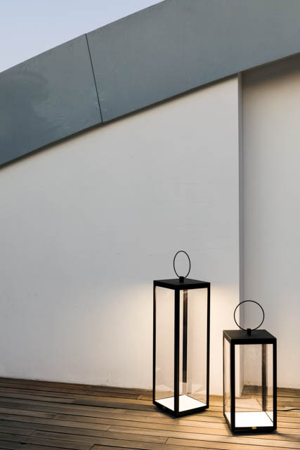 lanterna nera di design linee geometriche