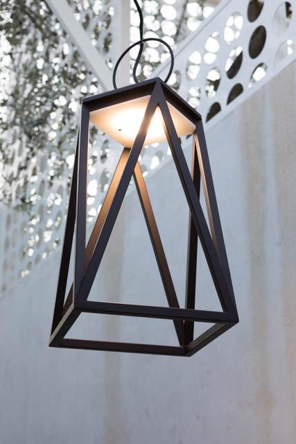 lampada a sospensione nera in ferro design